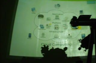 Foto de conferencia sobre computación en la nube