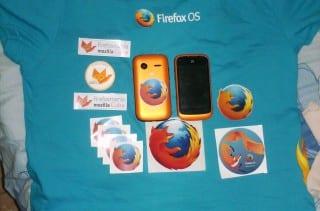 Pullover de FirefoxOS + Stickers que quedan de recuerdo del evento