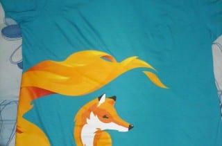 Pullover de FirefoxOS que le regalaron a KZKG^Gaara en el evento