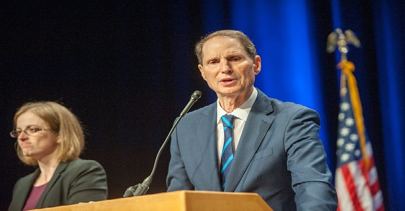 Ron Wyden carcel a CEO